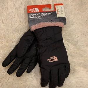 NWT North Face Gloves